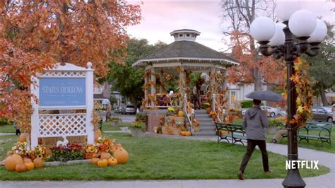 'Gilmore Girls' fan festival is coming to town that