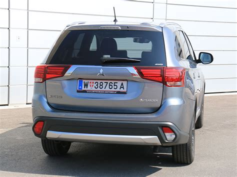 Mitsubishi Outlander 2,2 DI-D 4WD AT Instyle – Testbericht