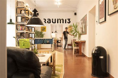 Raum13 – Coworking – - CoworkationAlps e