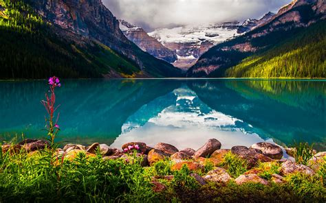 Lake Louise Reflections Lake Louise Is A Hamlet In Banff